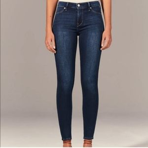 (NWOT) Midrise Abercrombie & Fitch Skinnies